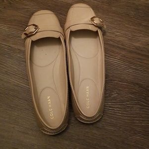 colehaan leather flats